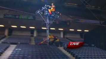 Some cool in-air stunts are peformed...