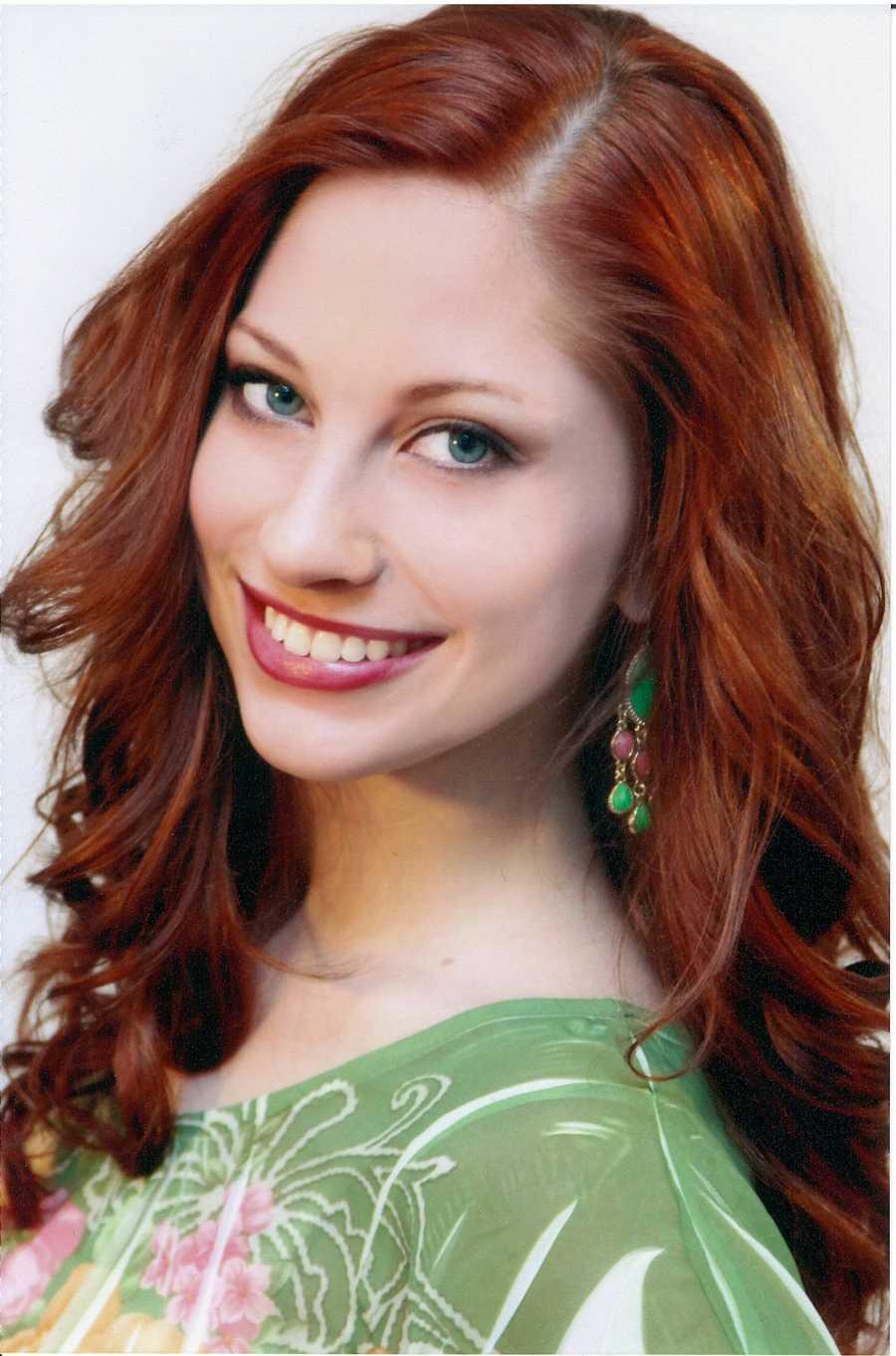 Lindsay Hanna, 23, Miss Mountain CityIn the Lymelight -- Lyme Disease AwarenessPiano