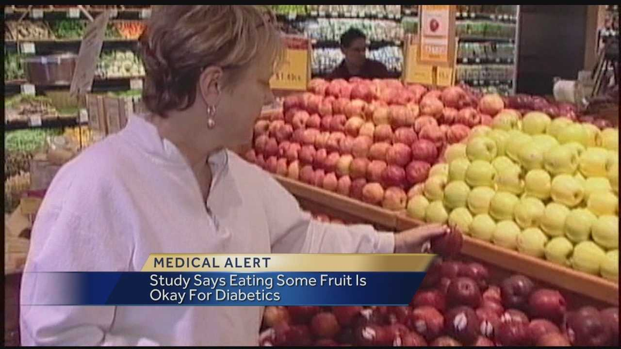 A new study published in Nutrition Journal finds eating a moderate amount of fruit is not a problem for people suffering from type 2 diabetes.