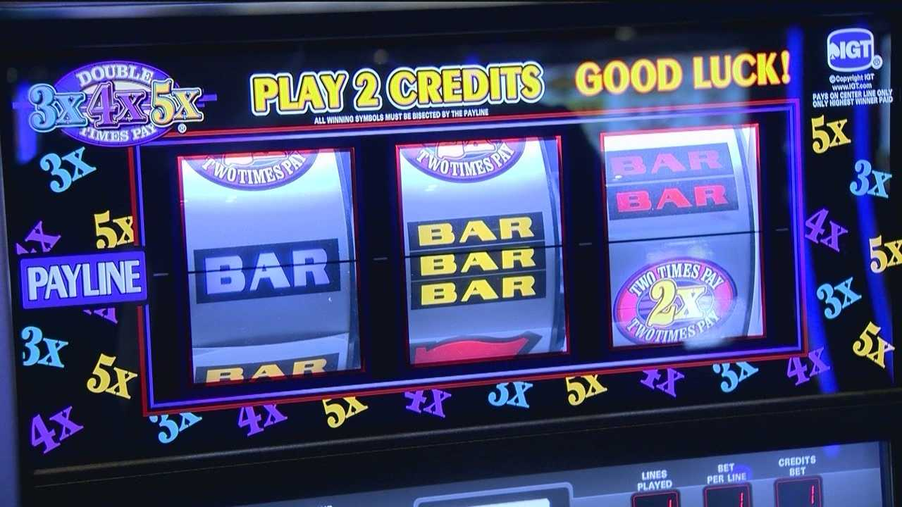 The bells and whistles on slot machines can trick the brain into thinking players won something when they've actually lost money, according to a new gambling study, but some are questioning whether that can add up to addiction.