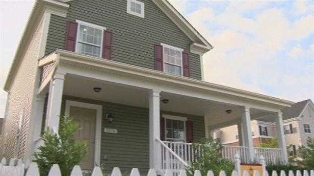 The state extends a program that helps military members and veterans buy homes for their families.