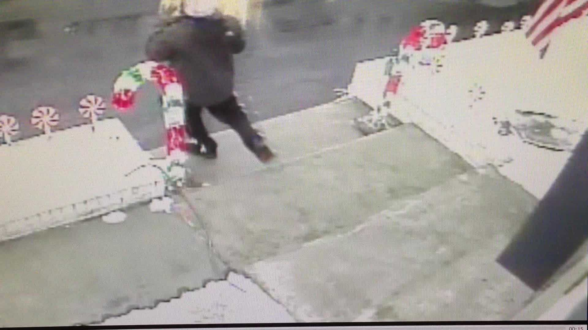 Raw video Man caught stealing packages