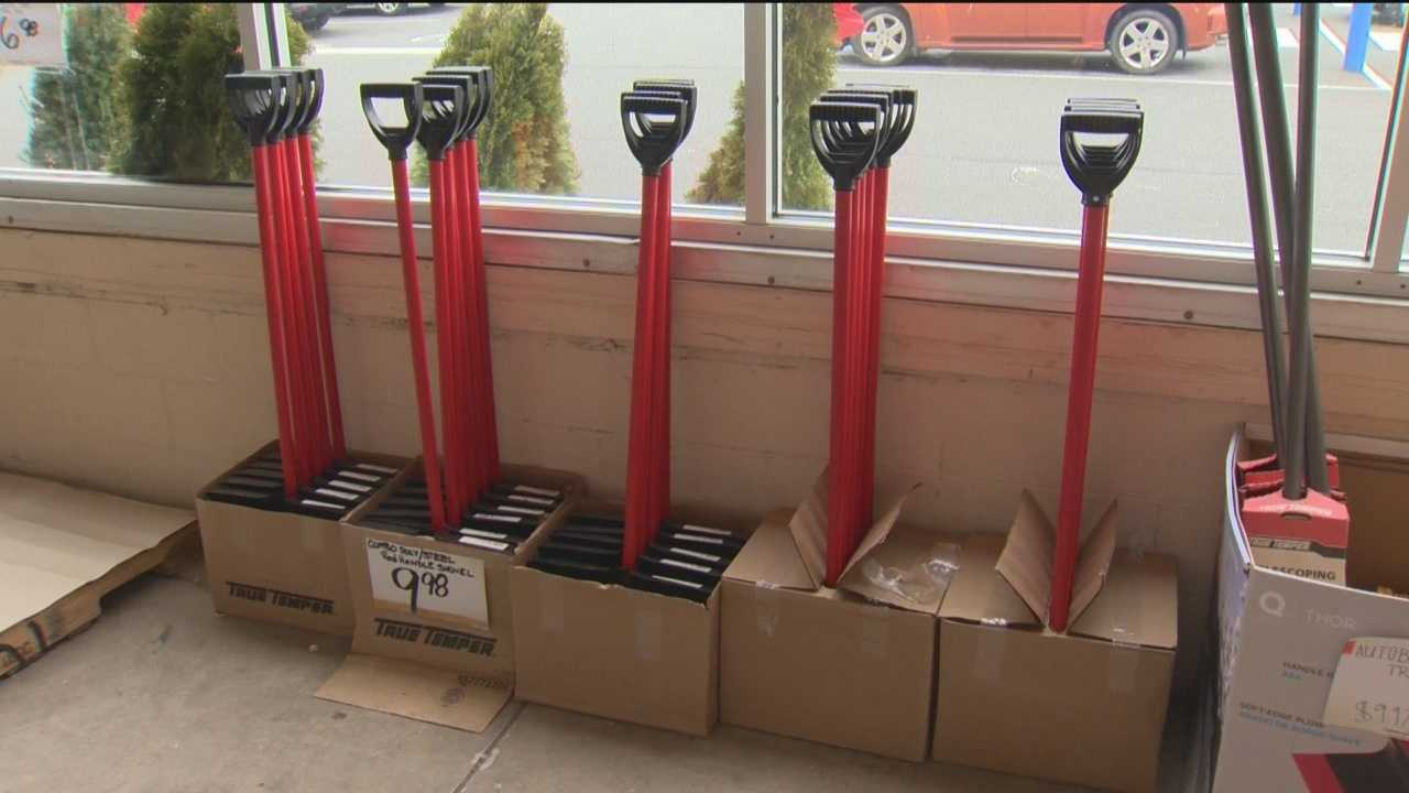 People in the Baltimore region are preparing for snowfall Thursday evening by stocking up on groceries and snow removal products.