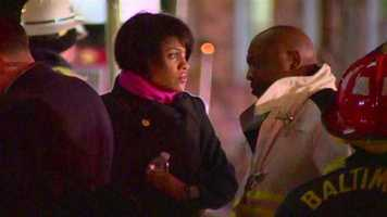 Mayor Stephanie Rawlings-Blake shows up and is briefed about what happened Wednesday evening.