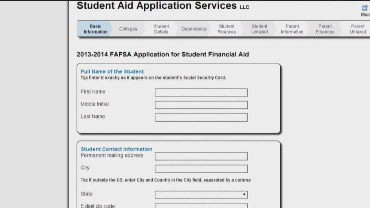 Maryland prospective college students fill out FAFSA forms to get financial aid.