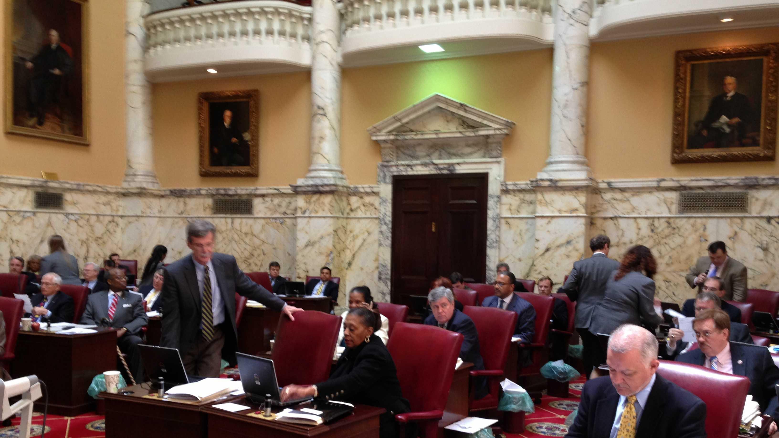 Senate votes on minimum wage