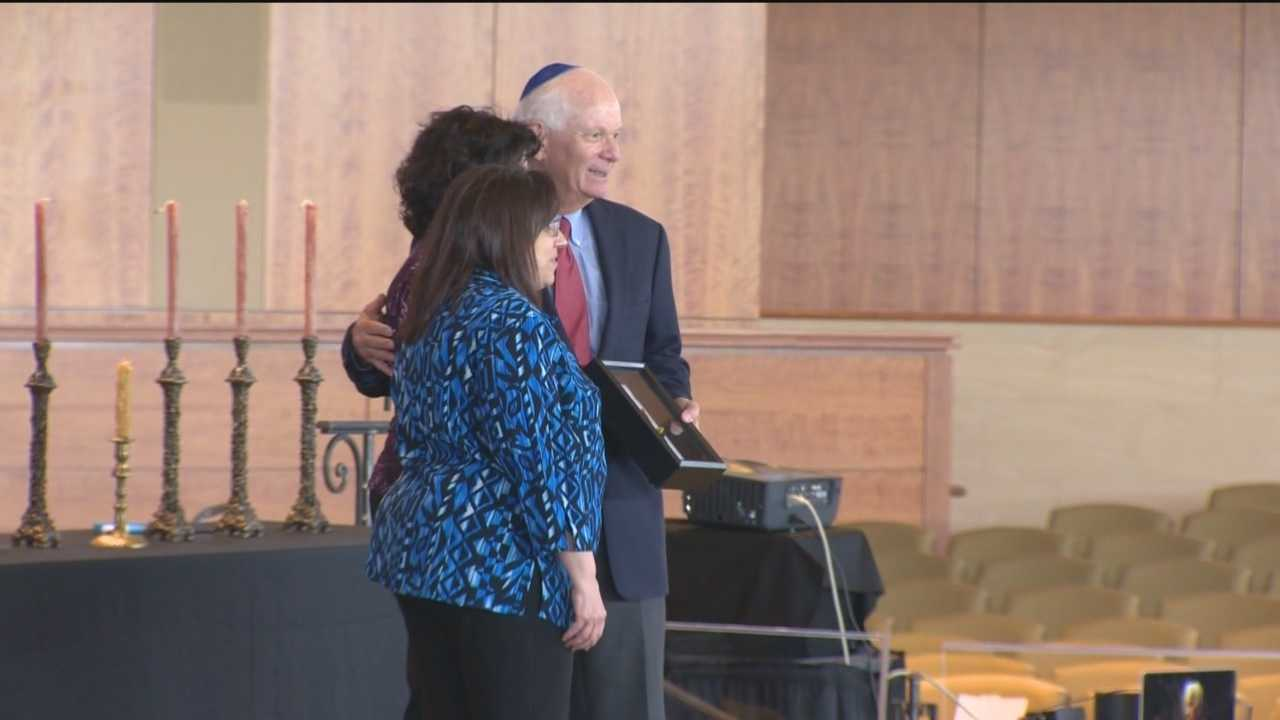 Leo Bretholz honored on Holocaust Remembrance Day