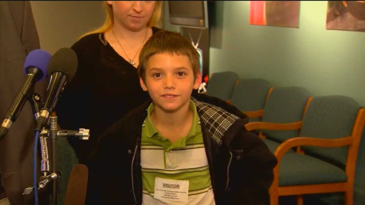 Parents of a 9-year-old Anne Arundel County student accused of chewing a breakfast bar into the shape of a gun are trying to get his suspension reversed and his record cleared.