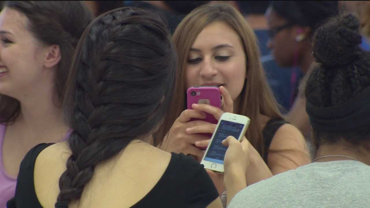 The Howard County Public Schools cellphone policy has received a passing grade from students and school administrators just one year after it was put on the books.