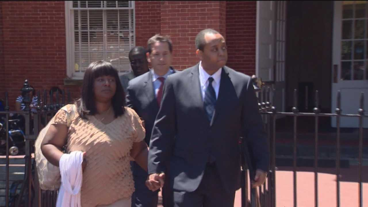 NJ detective takes stand in his own defense