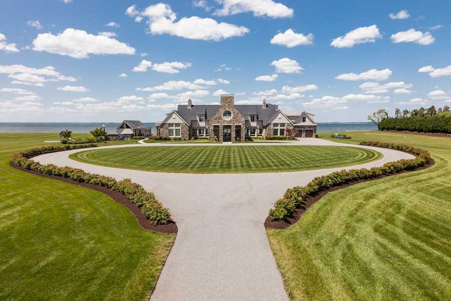 The property will be sold at auction by DeCaro Luxury Real Estate Auctions (800-332-3767) on Aug. 16 at 11 a.m. at 7402 Kent Point Road in Stevensville to the highest bidder without reserve.