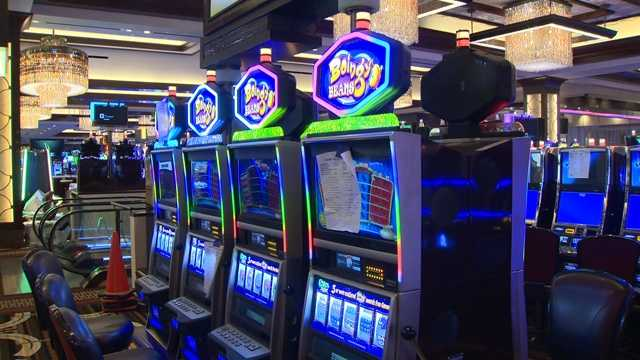 There will be 2,500 slot machines, some of which are stationed on a balcony outside.