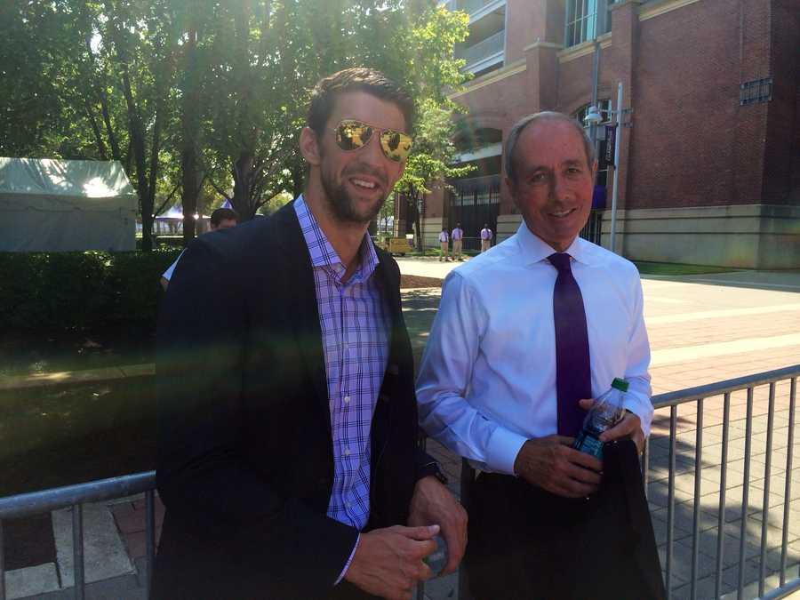 Michael Phelps, Ravens President Dick Cass