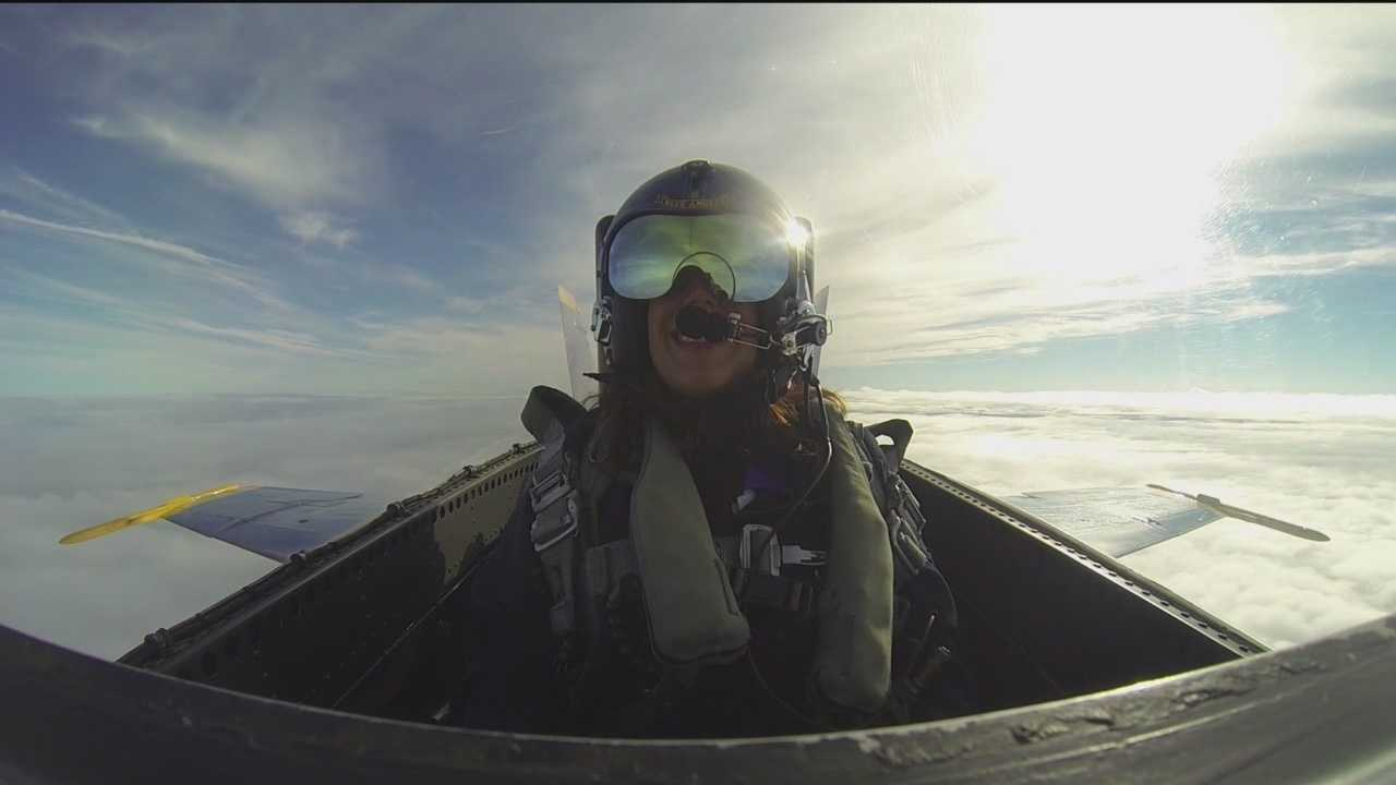 """Wow"" doesn't even begin to describe what it's like to fly with the Blue Angels."