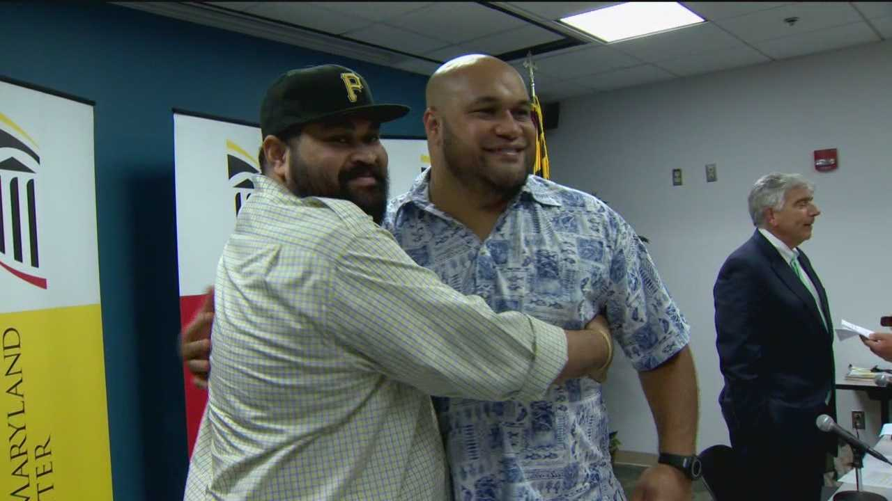 A former Baltimore Ravens player saves the life of his brother, a former Pittsburgh Steelers player, by giving him a kidney.