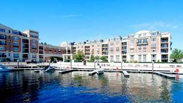 Location: 801 Key Highway, Baltimore, MDYou can experience downtown living at it's finest in this two bedroom, two bathroom Ritz Carlton Residences home. The home is listed for $1.29M and is featured on realtor.com.