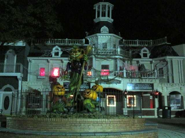 If you're a fan of Halloween, one of the best places to find all of what you're looking for is at Six Flags America's annual Fright Fest.