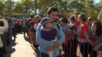 Miguel Gonzalez with his daughter