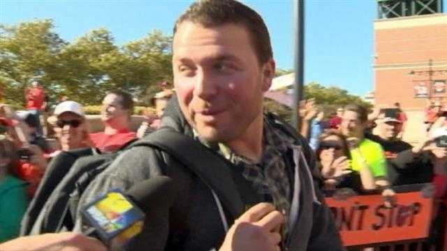 """Tommy Hunter on the crowd waiting for them: """"It's pretty awesome."""""""