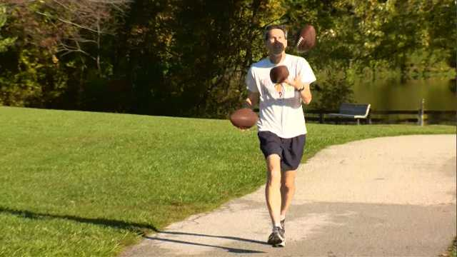 Barry Goldmeier is know for running the Baltimore Marathon while juggling.