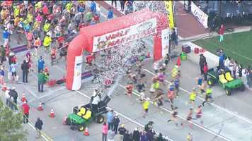 And they're off! The first wave of Half Marathon runners gets moving at 8:45 a.m.