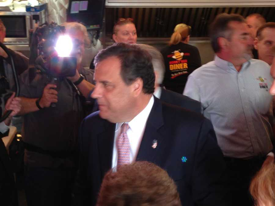 New Jersey Gov. Chris Christie comes to Maryland for a third time to help get out the vote for Republican gubernatorial candidate Larry Hogan a week before the election.