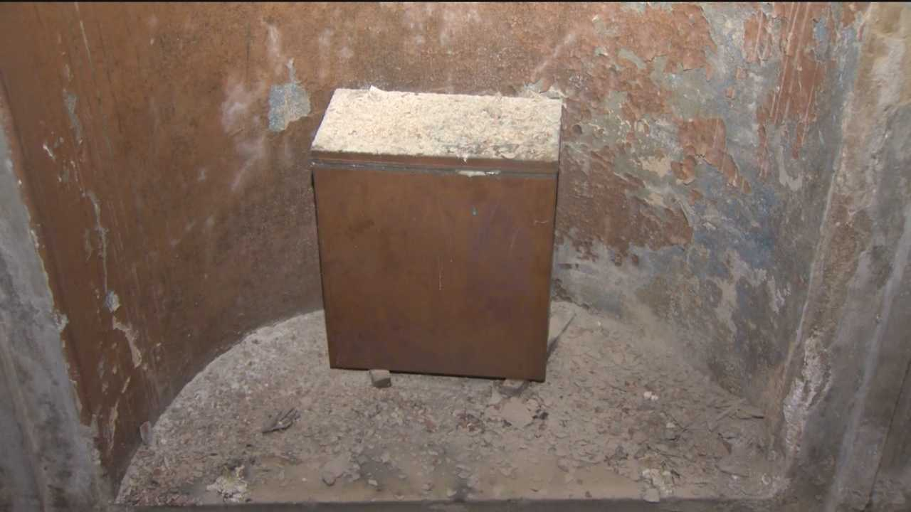 Workers restoring Baltimore's Washington Monument discover a time capsule tucked away inside.