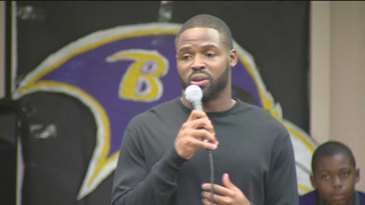 An enthusiastic crowd welcomes Baltimore Ravens wide receiver Torrey Smith to the campus for a talk about hard work.