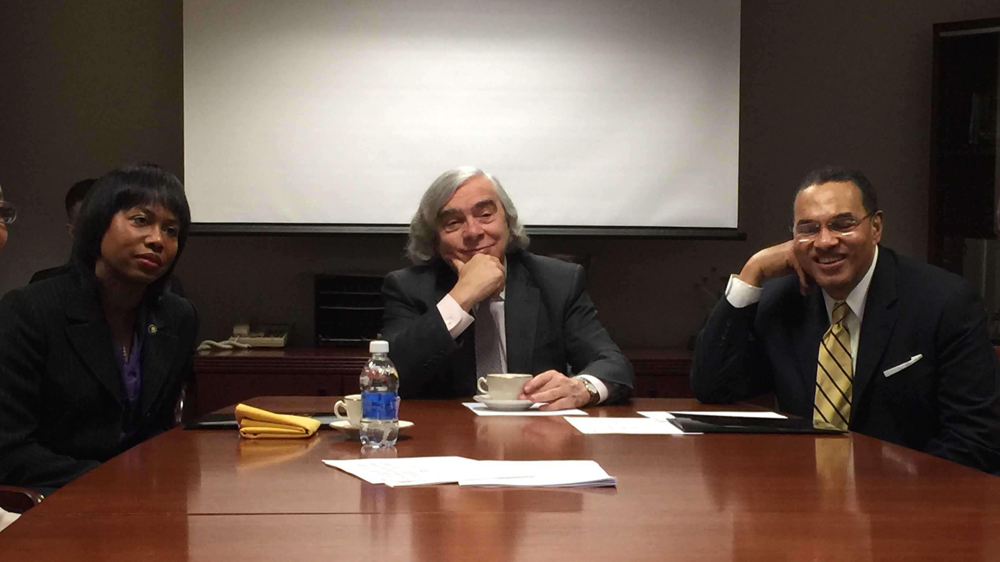 Energy Secretary Ernest Moniz visits the University of Maryland, Baltimore County