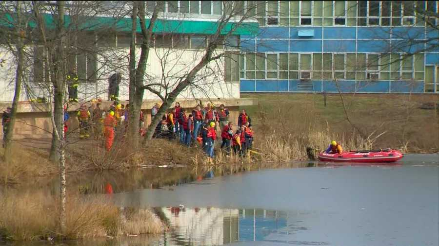 Four youth fall through the ice in Lansdowne.