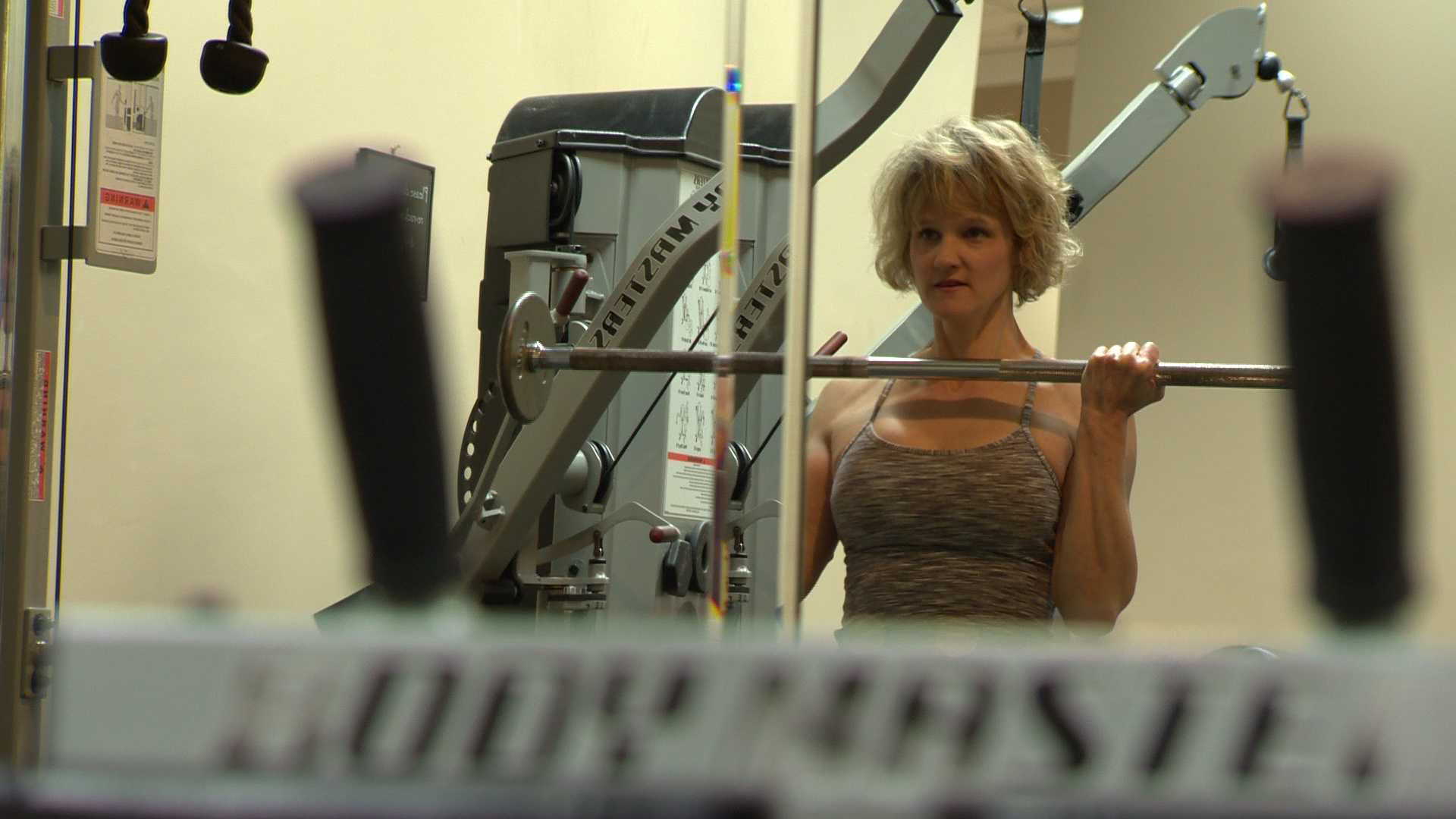 Wendy Bordewisch doesn't let a multiple sclerosis diagnosis stop her from working out.