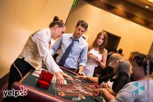 """Yelp UNDERCOVER: Secret Agent Soirée at Horseshoe Casino"" - Yelpers testing their luck"