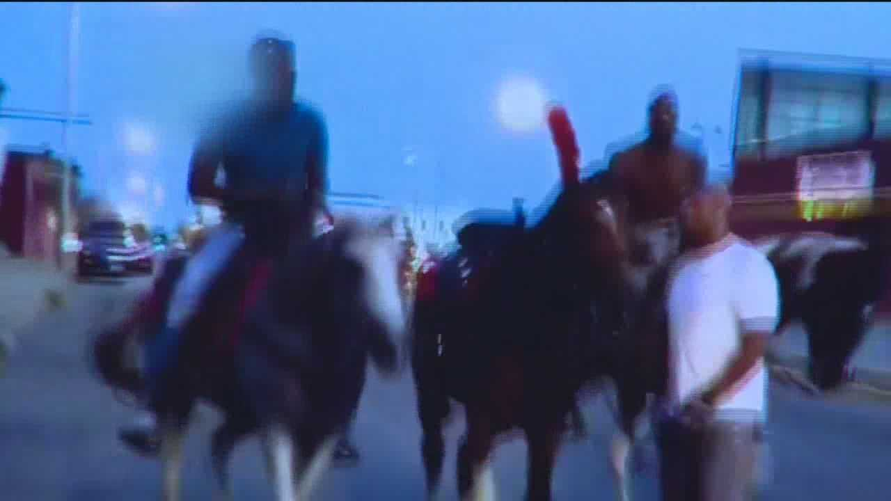 A video of a group of people riding horses through the streets of Baltimore has gone viral. The video spread quickly through social media Monday, especially after former NFL wide receiver Chad Ochocinco retweeted it. Baltimore Mayor Stephanie Rawlings-Blake and interim Police Commssioner Kevin Davis are not happy with the riders, especially as the city is working to curb illegal dirt bike riding.