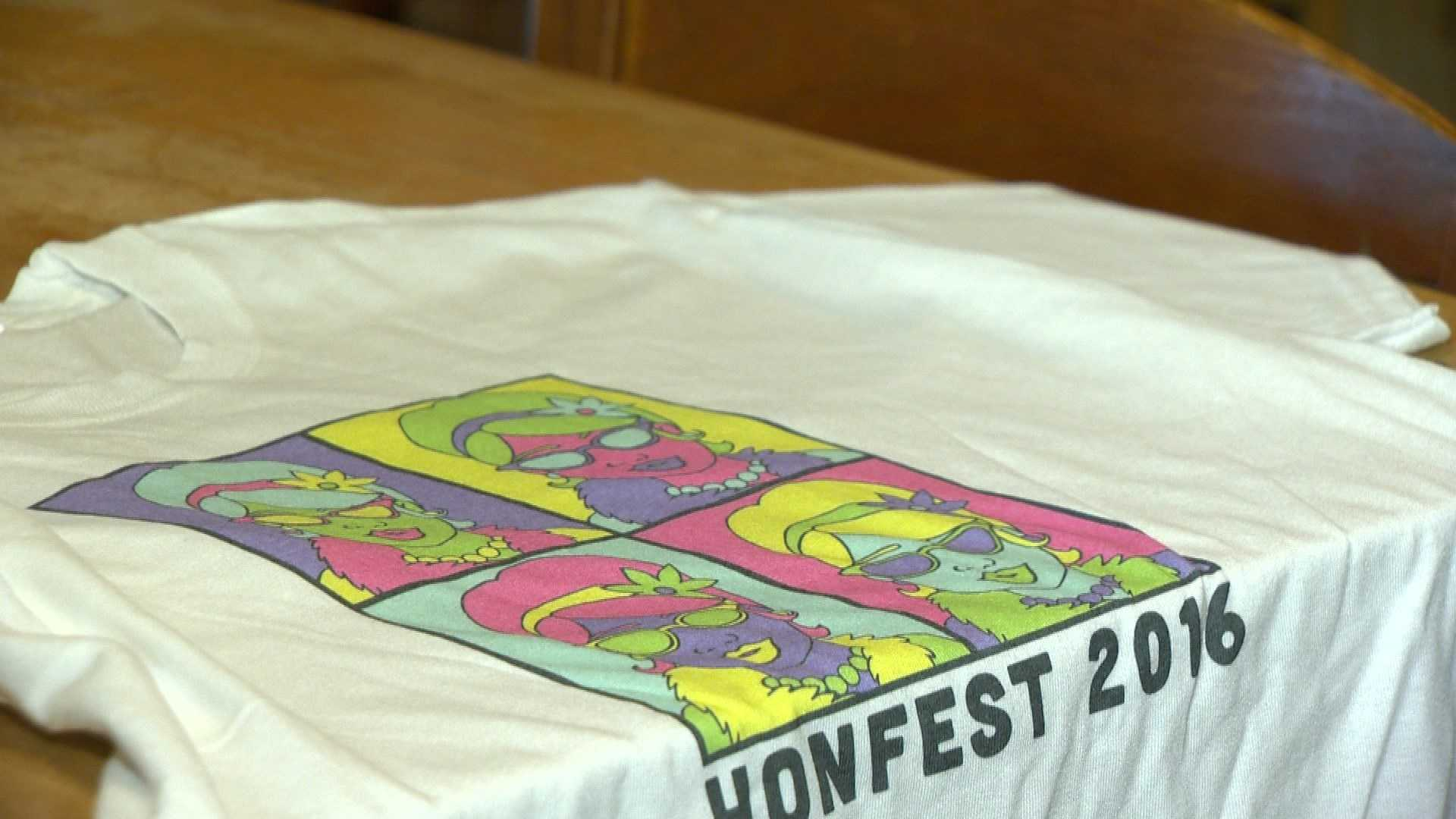 This year's official Honfest T-shirt was created by Art with a Heart.