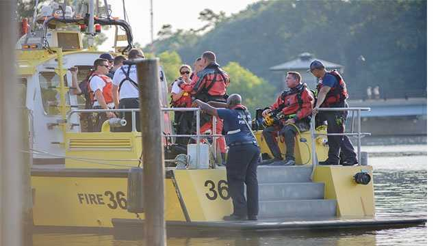 Crews work to recover the body of a missing boater in Annapolis