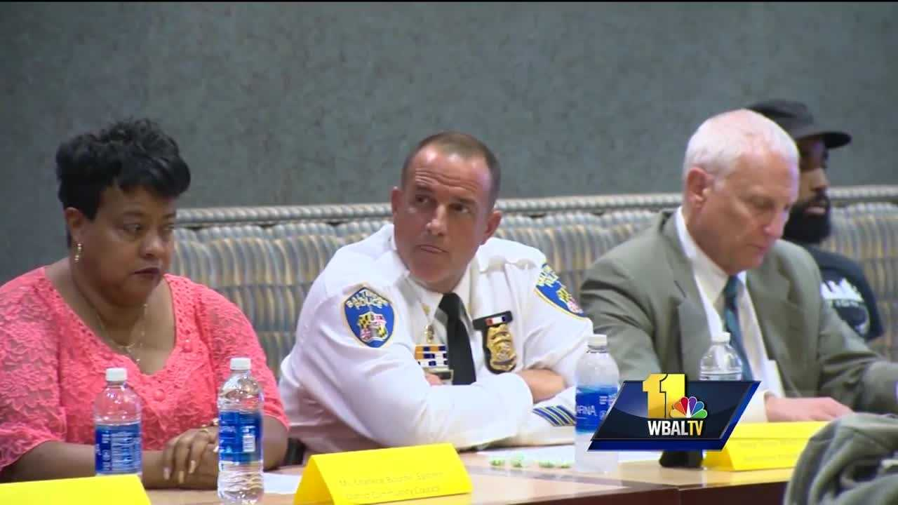 Panel discusses future of police-community relations
