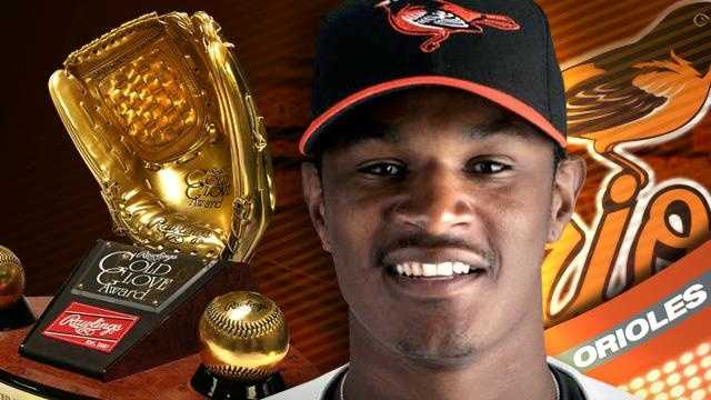 Adam Jones - Gold Glove - 21576499