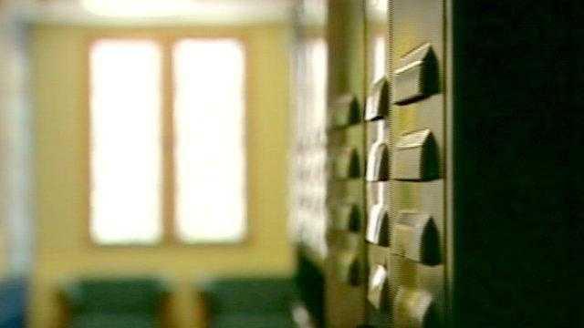 school locker, hallway (generic) - 16218114