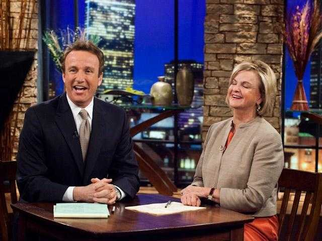 Chronicle co-anchors Anthony Everett and Mary Richardson share a laugh during her last show taping in 2010.