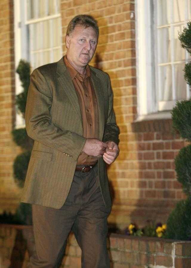 Larry Bird arrives for former Celtics coach Red Auerbach's viewing at a funeral home in Washington on October 30, 2006