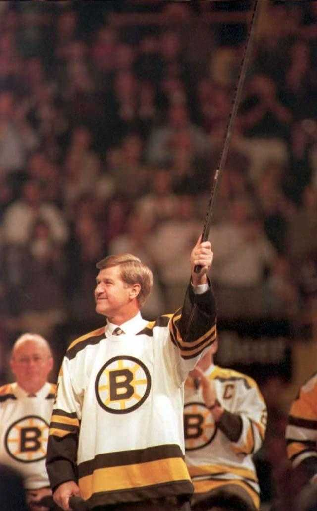 Bobby Orr raises his stick in tribute during closing ceremonies of the old Boston Garden.