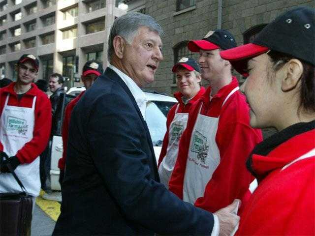 Yastrzemski greets hot dog samplers Dec. 13, 2002, at an event marking his retirement after 27 years as spokesperson for Kahn's Hot Dogs.
