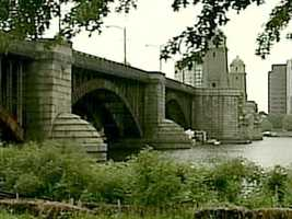 The state has awarded a more than $250 million contract to refurbish the historic Longfellow bridge that connects Boston and Cambridge.