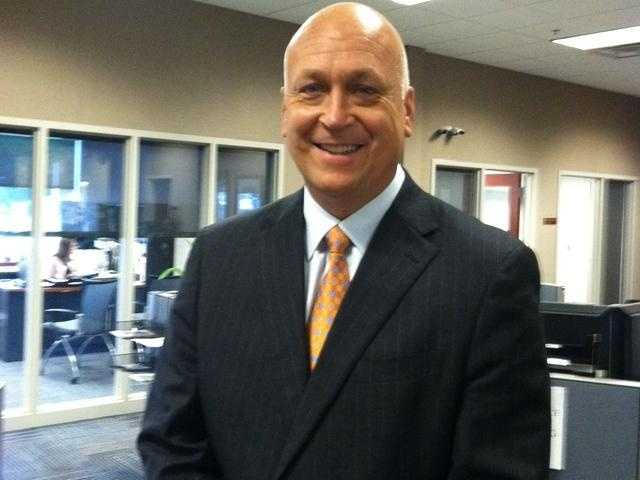 Cal Ripken Jr. played all his 21 MLB years with the Baltimore Orioles and set his own record of 2,632 consecutive games played.