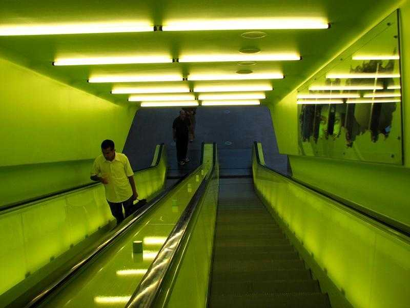 43% of escalator rails were contaminated.