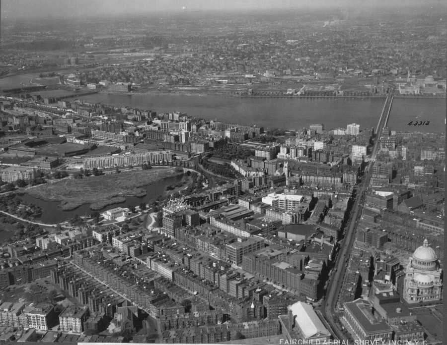 1925: Fenway Park along left edge of image, slightly above center. Christian Science Church along right edge. Symphony Hall and Horticultural Hall lower right along bottom edge.