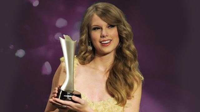 Taylor Swift AP - 30559704