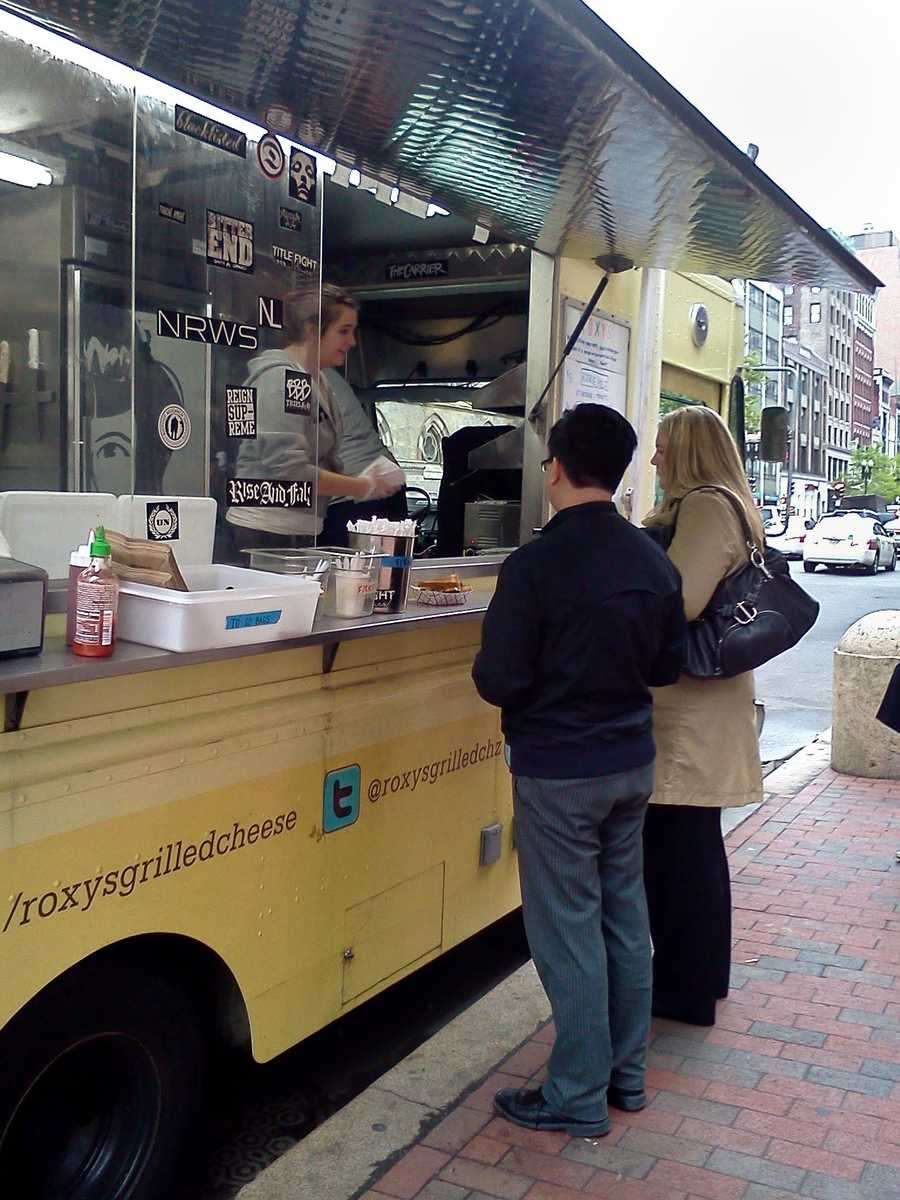 Read the full Roxy's grilled cheese review and check out other food truck reviews at Megan's Boston Food Truck blog.