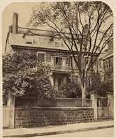 The first house to be erected atop Beacon Hill was built in the 1730's for the wealthy merchant, Thomas Hancock.