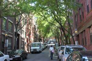 The median household income of Beacon Hill residents is $88,632.00.